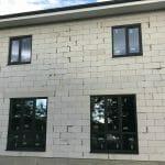 Монтаж окон из профиля Elex 70 мм с ламинацией антрацит в частном доме в станице Старонижестеблиевской. Фото 1