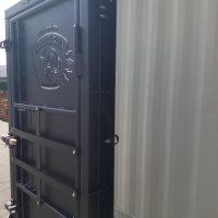 Металлическая дверь – надежная защита вашего жилища