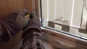 Правильные стеклянные двери и окна для безопасности вашего ребенка