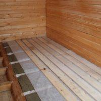 Полы в деревянном доме из бруса