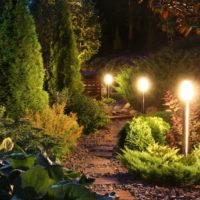 Выбираем освещение для летнего сада