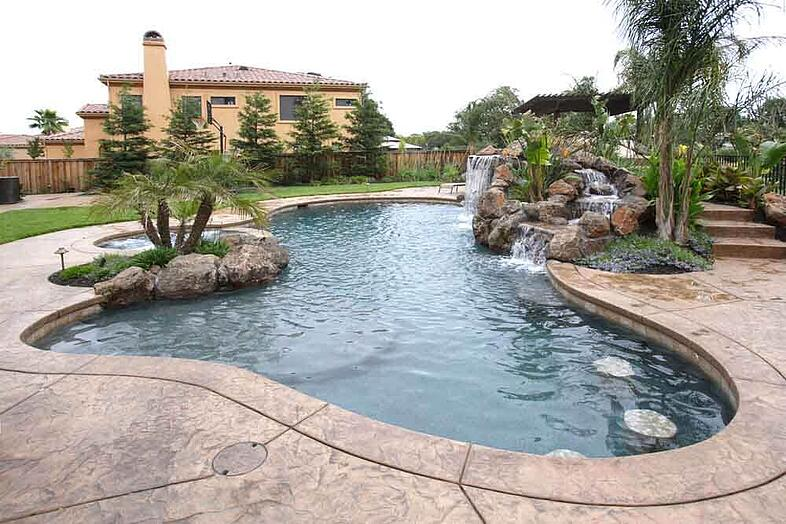Что такое бассейн-лагуна. Формы, идеи и затраты
