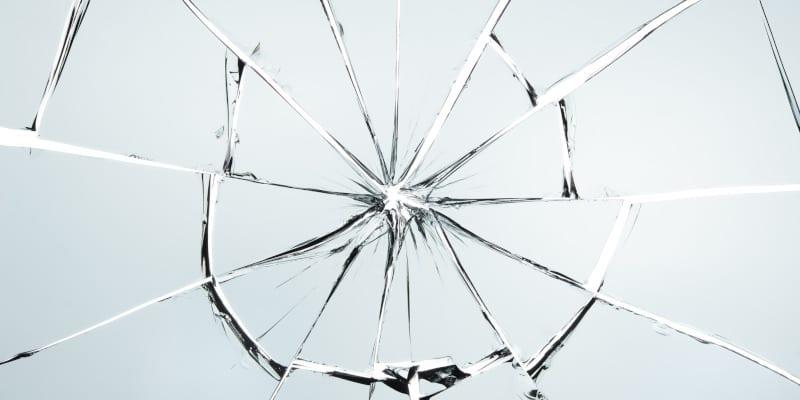 Понимание различий между отожженным, закаленным и термоупрочненным стеклом