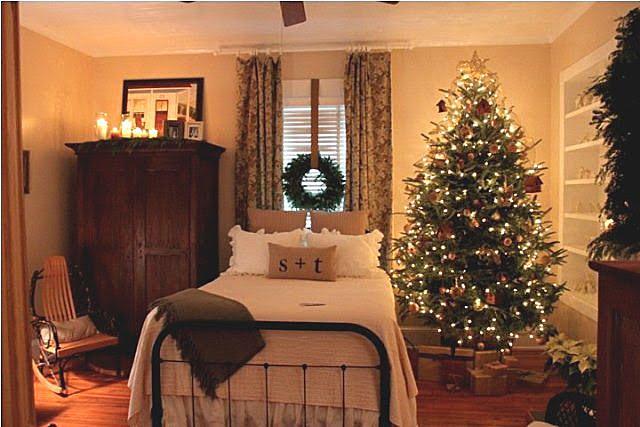 Завершите рождественский показ для главной спальни